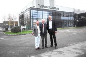 非常城市董事长吴杰(左)与focal CEO Christophe Sicaud(右)及创始人Jacques Mahul 先生(中)合影